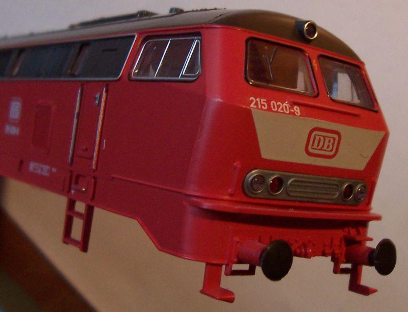 Front der Diesellok 215 020-9