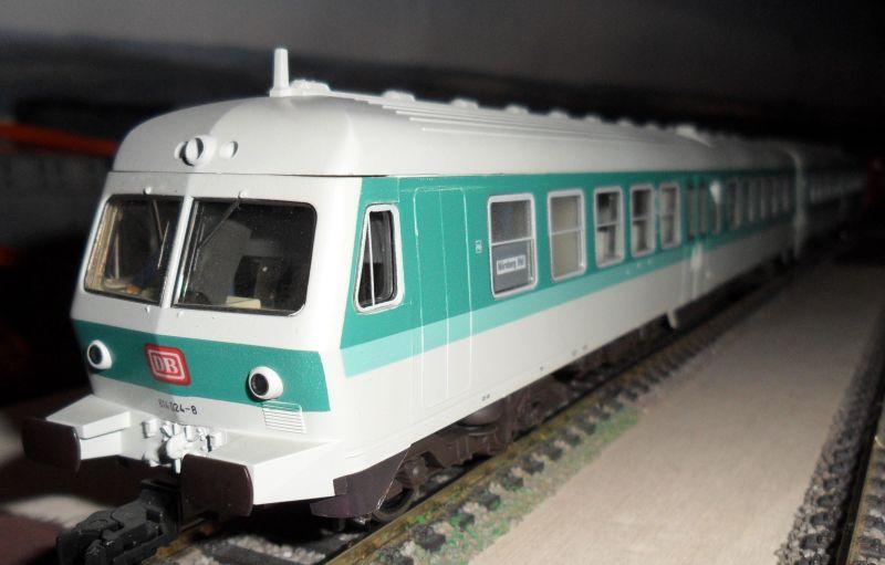 Modell des Dieseltriebwagens Baureihe 614