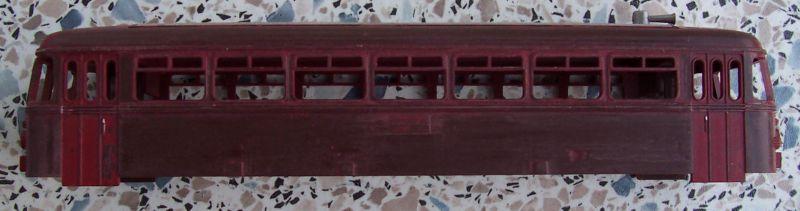 abgeschliffener Wagenkasten vom Schienenbus