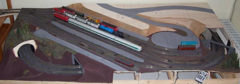 Weitere Fortschritte an der Modellbahn im Juni 2008