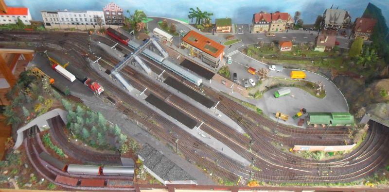 Übersicht über Bahnhof Bettbergen und Umfeld