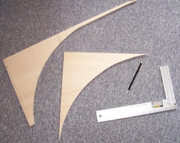 Sperrholzreste vom Modellbahn-Rohbau