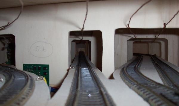 Bei der Einfahrt in den Schattenbahnhof verzweigen sich die Gleise