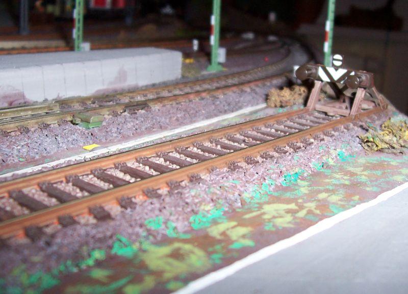 Gleis 16 im Bahnhofe Bettbergen mit handelsüblichem Fleischmann-Prellbock