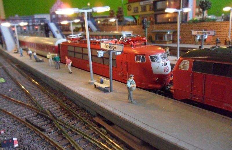Umgeleiteter Intercity hält außerplanmäßig in Bettbergen