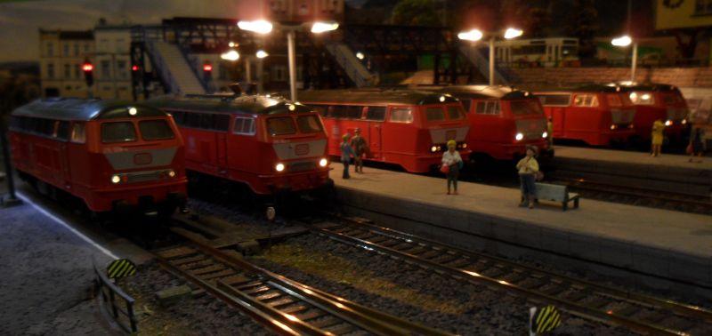 Lokomotiven der Baureihen 215 und 218 von Roco, Piko und Fleischmann