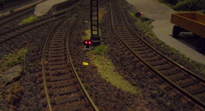 Lichtsperrsignal im Bahnhof Bettbergen