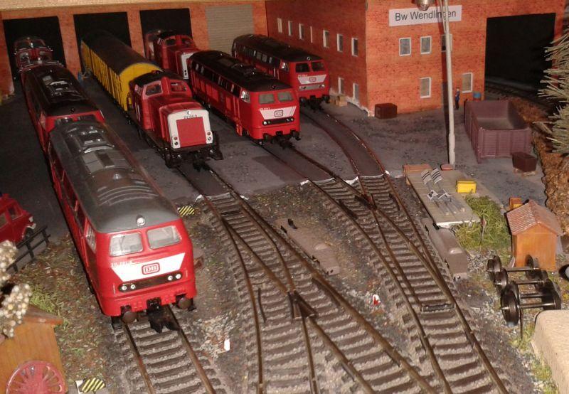 Triebfahrzeuge verschiedener Baureihen im BW Wendlingen