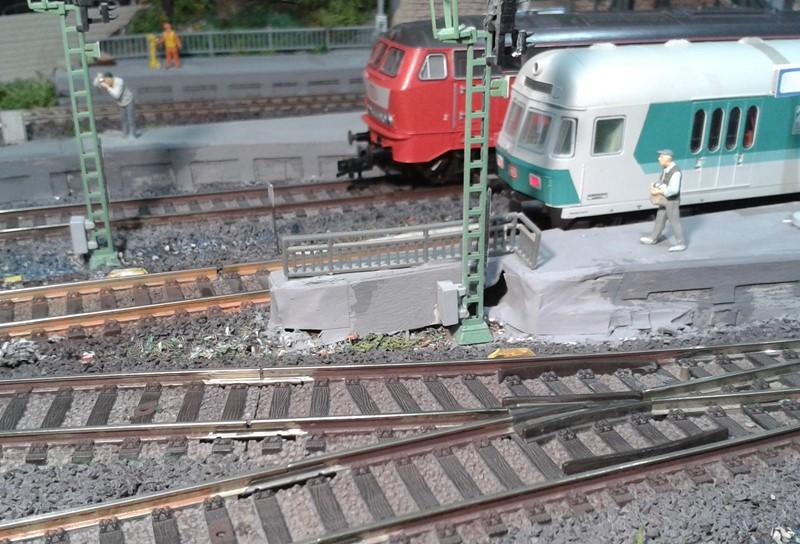 Bahnsteigende im Bahnhof Bettbergen