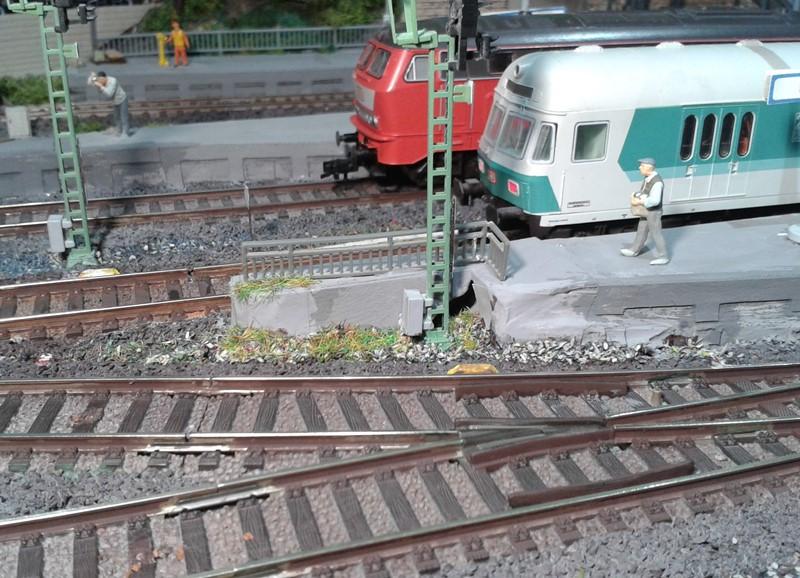 Bahnsteigende im Bahnhof Bettbergen nach Gestaltung