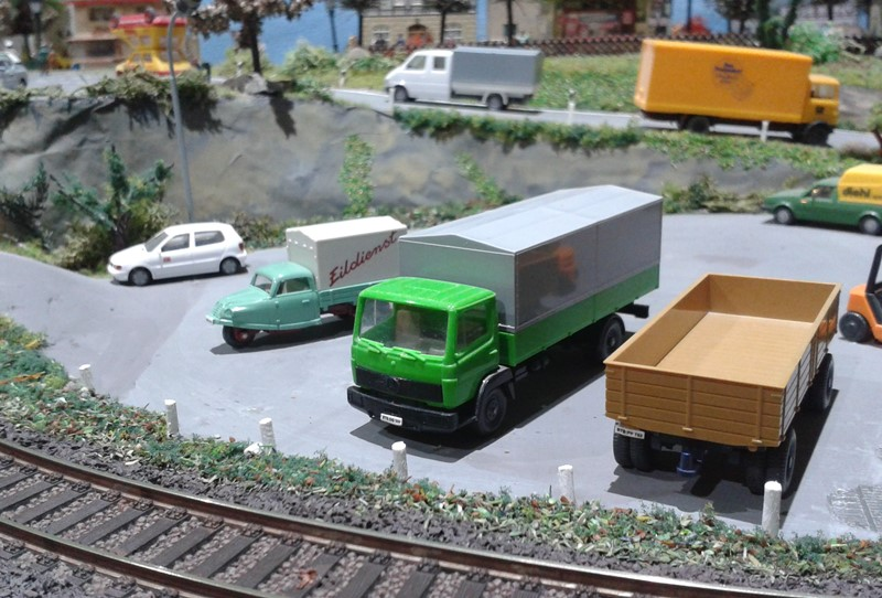 Schutzpfosten an der Güterabfertigung Bettbergen