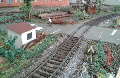 Bahnübergang am Kleingarten
