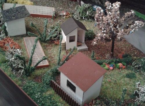 Kleingartenanlage Wendlingen mit dem neuen Gartenhaus in der Bildmitte
