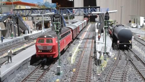 Güterzüge im Bahnhof Bettbergen