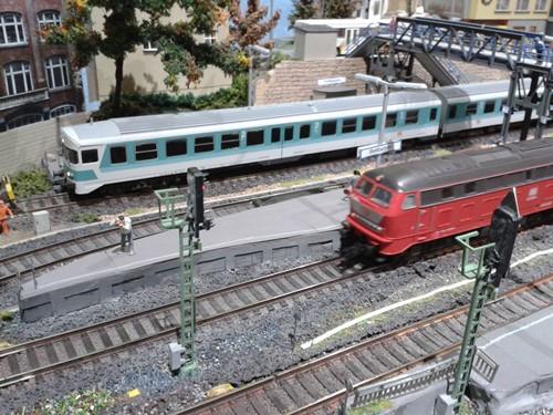 Abwechslungsreicher Zugverkehr im Bahnhof Bettbergen