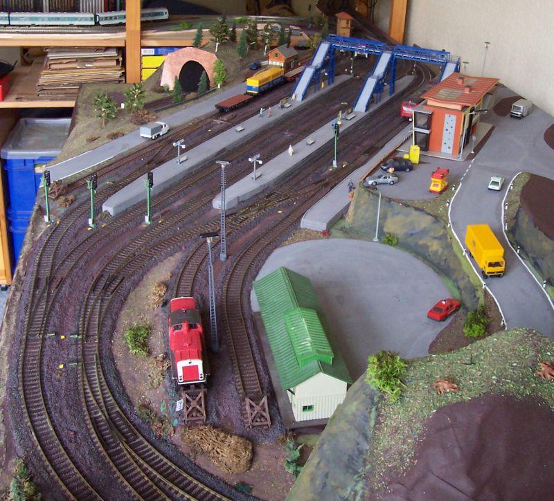 Im Bahnhof Bettbergen herrscht reger Rangier- und Zugbetrieb