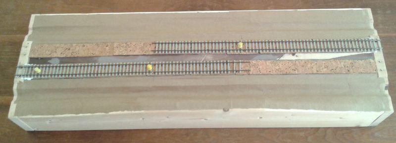 Modul mit ersten Gleisen und Landschaftsprofilierung