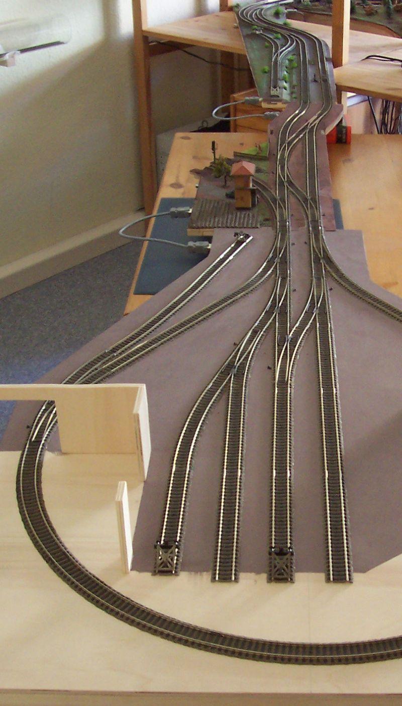 Modellbahnstrecke über mehrere Module