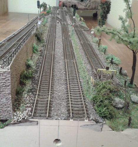 Blick auf das weitgehend fertige Modellbahnmodul Regalach