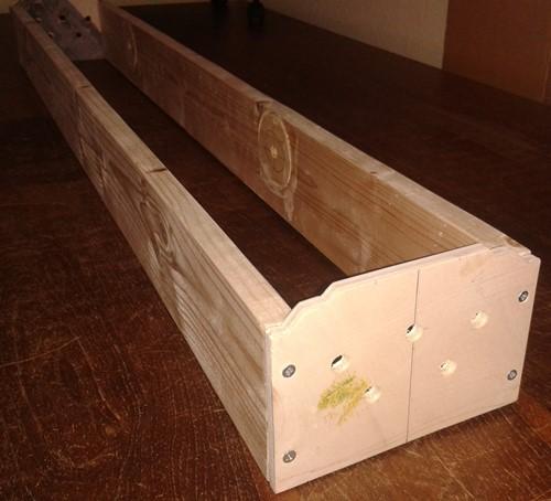 Modulkasten für schmales Streckenmodul im Rohbau