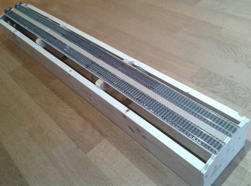 Streckenmodul mit montierten Gleisen