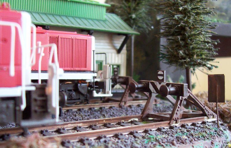 Standard-Prellböcke vom Modellbahnhersteller in Bettbergen