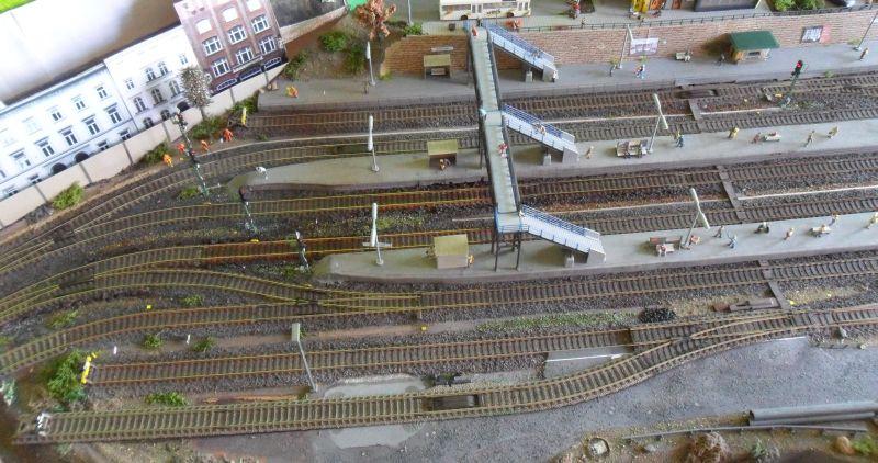 Erweiterung der Ladestraße auf der Modellbahn um Gleis 7
