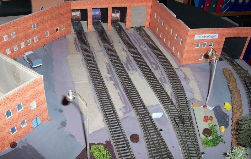 Pappmaschee zwischen den Gleisen in Wendlingen wurde entfernt