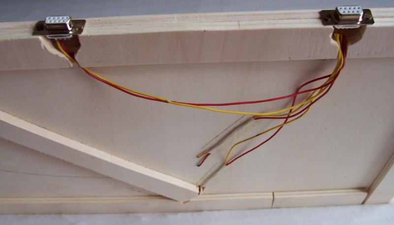 Die Buchsen wurden von unten eingebaut und verschraubt